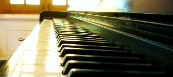 957388520-piano-1560898.jpg